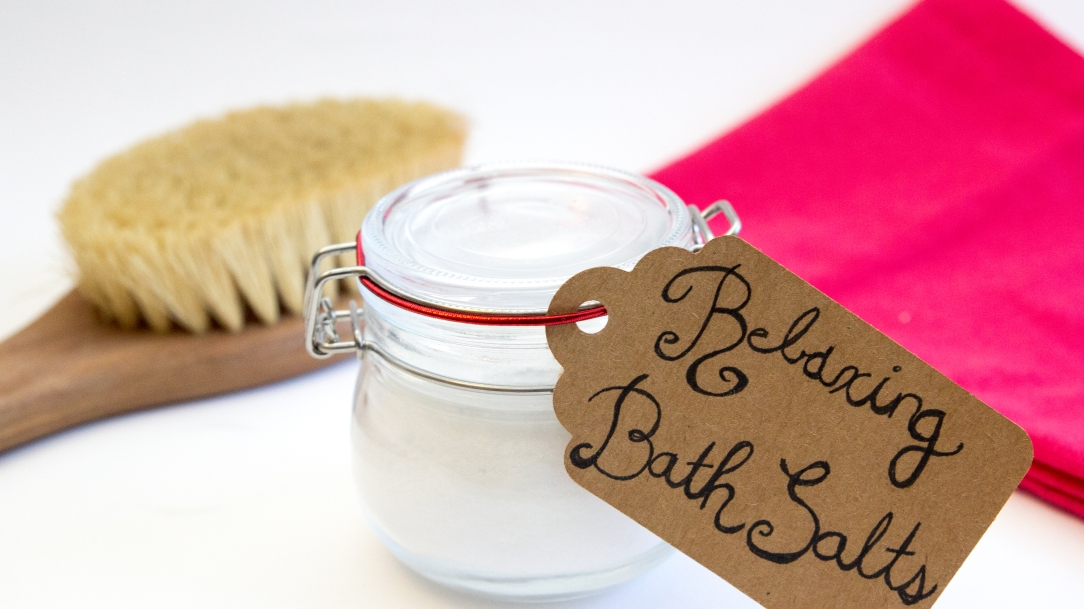 christmas gift easy diy bath salts recipe homemade beauty products