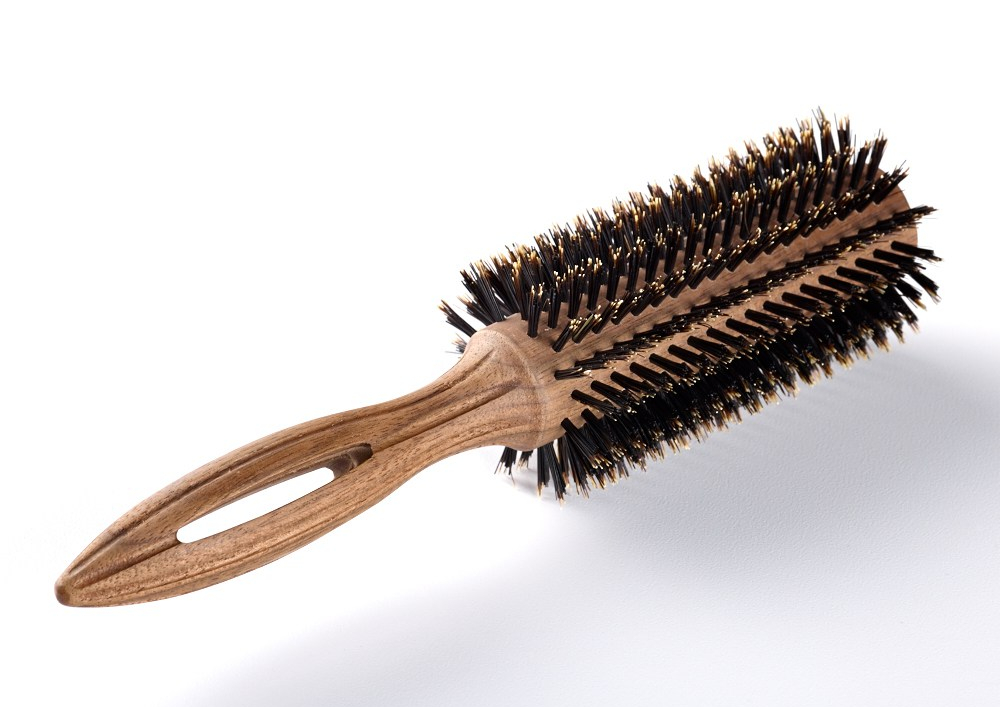 round brush, blow out brush, how to do a blow out, hair brush guide, best hair brushes